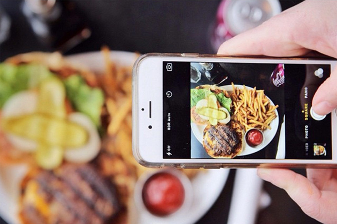 taking photos of food for instagram on your phone