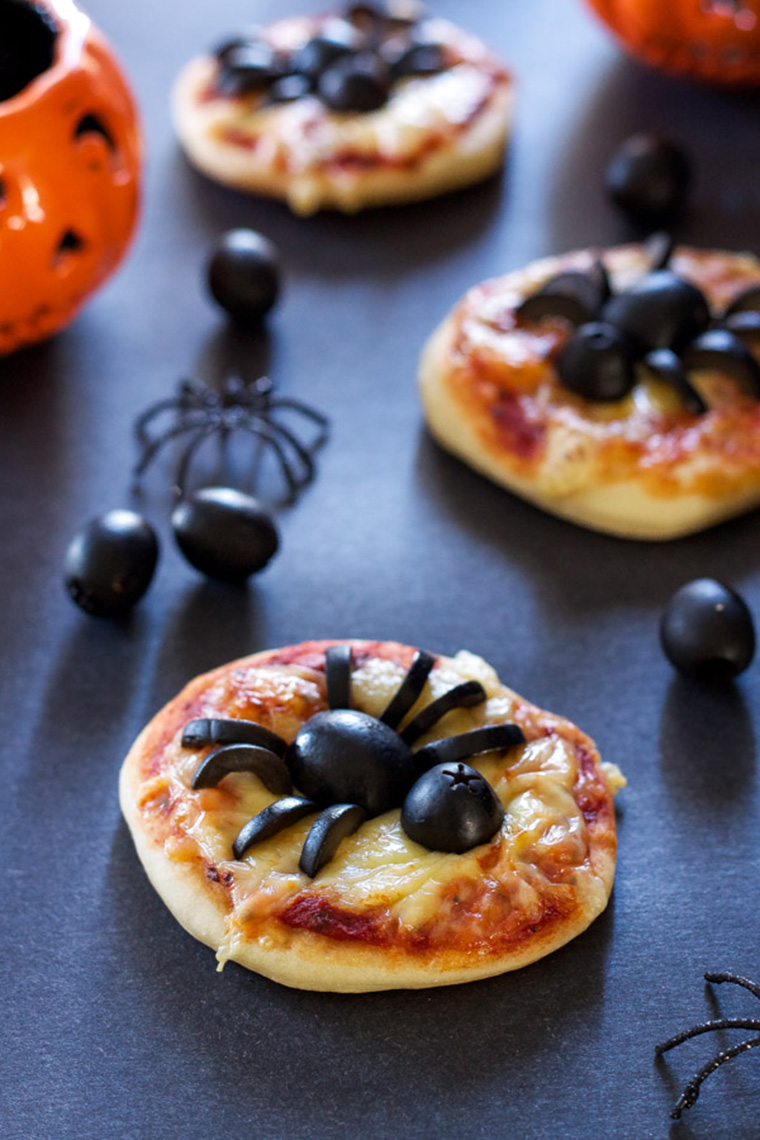 mini spider pizzas by recipe runner