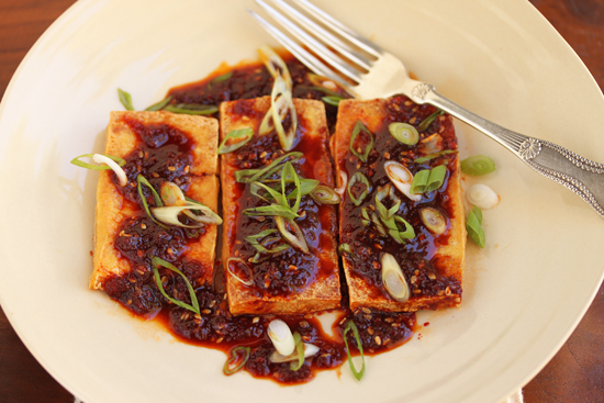 spicy-korean-red-pepper-sauce-with-fried-tofu-3.jpg