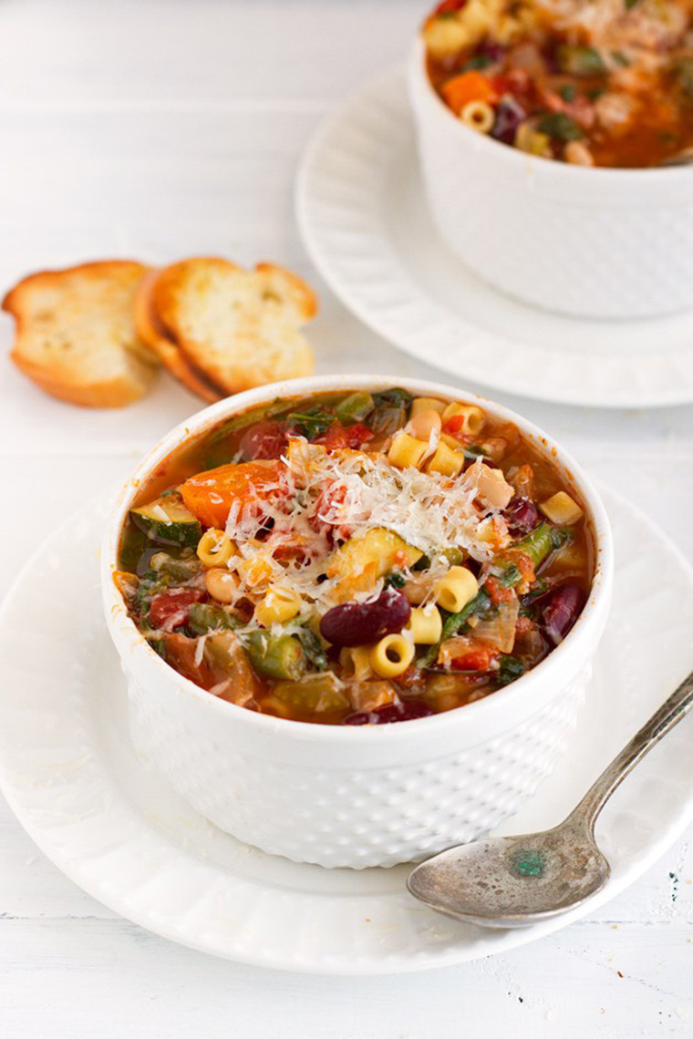 slow cooker minestrone soup by little spice jar